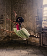 Wendy 3 (Artypixall) Tags: cuba havana ballerina youngwoman posing dancing interior mansion