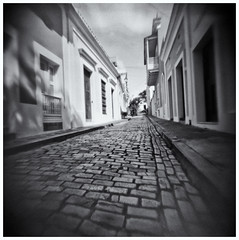 Fotografía Estenopeica (Pinhole Photography) (Black and White Fine Art) Tags: fotografiaestenopeica pinholephotography camaraestenopeica pinholecamera pinhole estenopo agujeropequeño sanjuan oldsanjuan viejosanjuan puertorico bn bw