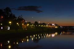 Half Moon above the right embankment (Matjaž Skrinar) Tags: 100v10f 250v10f maribor