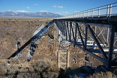 behind the railing (rovingmagpie) Tags: newmexico taos riograndegorgebridge riograndegorge riogrande bridge bday2018
