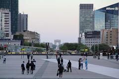 La Defense - París (Pablo C.M    BANCOIMAGENES.CL) Tags: france francia paris city urban ladefense