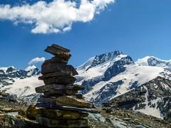 Tra i quattromila delle Alpi Svizzere (giorgiorodano46) Tags: luglio2013 july 2013 giorgiorodano alpi alpes alps alpen vallese valais wallis swissalps walliseralpen alpesvalaisannes svizzera schweiz suisse switzerland rimpfishhorn strahlhorn oberothhorn allalinhorn zermatt mountain montagne landscape alpinelandscape