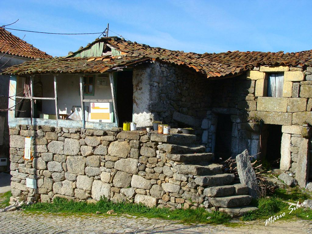Águas Frias (Chaves) - ... para memória futura, uma foto de uma casa que já existiu ...