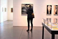 O'Keeffe Museum (thomasgorman1) Tags: museum woman art paintings patron nm nikon artwork street streetphotos streetshots southwest