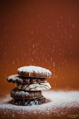Biscotti invernali 🍪 ❄️ (GiuliaSacchetPH) Tags: nikon nikond5100 tamron tamron2470 tamron2470g2 biscotti cookies winter inverno