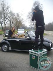 Si controlla l'inquadratura... (partyinfurgone) Tags: affitto shooting cocktail epoca evento furgone maggiolino maggiolone beetle hippie limousine matrimonio milano noleggio promo promozione pubblicità pulmino storico vintage volkswagen vw vogue ucrania modella