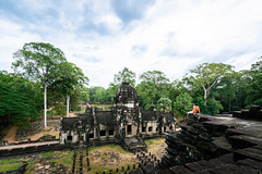 Scale (_gate_) Tags: cambodia travel kambodscha angkor wat thom phimeanakas siem reap blond girl dschungle temple nikon d750 december 2017 jungle dschungel reise trip asia south east antic 2485mm color gate