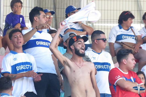 "Hinchas Curico vs CDUC • <a style=""font-size:0.8em;"" href=""http://www.flickr.com/photos/131309751@N08/28444493989/"" target=""_blank"">View on Flickr</a>"