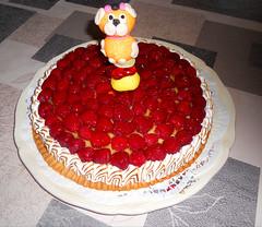 pour les 7 ans de notre Lola ! (jeanpierrefrey) Tags: tarte framboises maison pâtesablée génoise crèmepâtissière meringue italienne anniversaire 7ans