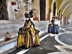 The most fascinating of appearances (Izzy's Curiosity Cabinet) Tags: venise venezia venice carnaval carnavale 2018 most fascinating costume deguisement déguisé personnage