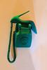 Téléphone Louboutin (Pi-F) Tags: emirats abudhabi téléphone chaussure louboutin feutre vert semelle rouge appareil composition vitrine exposition publicité cadran