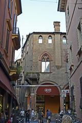 2016.09.10.298 BOLOGNE - (alainmichot93 (Bonjour à tous - Hello everyone)) Tags: 2016 italie italia emilieromagne bologne bologna architecture rue street strada via calle strasse straat rua