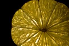 citrus Monday  /  Zitronen- Montag 😁 (Pixelchen1) Tags: nikon5500 nikon105mmf28 citrus lime zitrone limone scheibe backlight backlit hintergrundbeleuchtung night nacht dark dunkel structure strukturen licht lightreflection macro mypersonalmonday meinpersönlichermontag manuellerfocus
