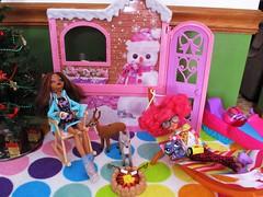 Stargazing✨ (flores272) Tags: clawdeenwolf howleenwolf monsterhigh deer barbiewinterfamilybuildup barbiewintercabin lps littlestpetshop christmas firepit doll dolls toy toys barbiefurniture bratzclothing