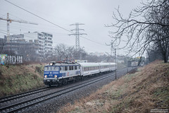 EP07-1001 Warszawa Rakowiec (rokiczaaa) Tags: ep07 ic hubal pkpintercity train zug traukinys vlak morning rainy warsaw poland city architecture rail railway