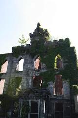Smallpox Hospital Ruins (ktmqi) Tags: smallpoxhospital jamesrenwickjr ruins newyorkcity eastriver rooseveltisland blackwellsisland gothicrevival renwickaspinwallowen
