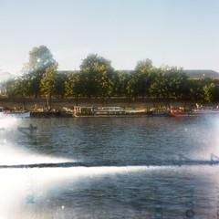 Berges de Seine, Paris 7e. France. (Zazie In The Metro) Tags: analog film paris seine france semflex standard 35b berges twinlens medium format