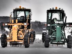 Yellow and Green (murozo) Tags: road scraper car heavy machine yellow green snow winter yurihonjo akita japan ロードスクレーバー 重機 車 黄 緑 雪 冬 由利本荘 秋田 日本