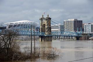 Flood forces closure of Cincinnati's riverfront parks