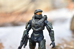 DSC_0266 (TheGame21x) Tags: halo4 halo5 halo actionfigures figures figurines toys dolls nature snow cold videogames games gaming nikon nikond3400 dslr nikonphotographywoodmossbluesoldiermasterchief haloactionfigures bokeh d3400 dslrphotography toyphotography unsc outdoors wooden natural 35mm 35mmlens