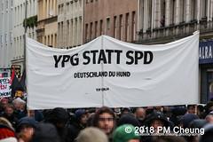 Demonstration: Von Kreuzberg nach Afrin - Tod dem Faschismus! Solidarität mit Rojava! – Berlin - 04.02.2018 – IMG_9281 (PM Cheung) Tags: toddemfaschismusdefendafrinlangleberojava berlin 04022018 rojava ypg ypj volksverteidigungseinheiten frauenverteidigungseinheiten repression sohr afrin efrîn türkei militäroffensivetürkei operationolivenzweig yekîneyênparastinajin manbidsch alqaida yekîneyênparastinagel operasyonunzeytindalı fsa demonstration kurdistan hermannplatz antifa 2018 pomengcheung polizei türkischenationalisten pmcheung interventionistischelinke oranienplatz ypgstattspd mengcheungpo facebookcompmcheungphotography vonkreuzbergnachafrintoddemfaschismussolidaritätmitrojava kurden pkk demo protest kundgebung präsidentreceptayyiperdoğan kriegspolitik rûbar solidaritätsdemonstration berlinkreuzberg neukölln russland usa syrien westkurdistan nordkurdistan bürgerkrieg anadolu autonomieregion syrischendemokratischenkräftesdf islamischerstaatis daesh stopptergogan topberlin afrinnotalone b0402 internationalistischedemonstration afrinoperation afrinunderattack defendafrin