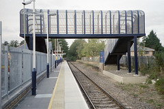 Chandlers Ford Station, 19 Oct 2003 (Ian D Nolan) Tags: station chandlersfordstation 35mm epsonperfectionv750scanner