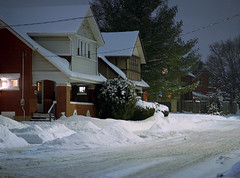 (toulouse goose) Tags: film kodak ektar 100 mamiya 645 e 120 sekor mediumformat c41 homedeveloped epson v500 waterloo ontario night snow street houses