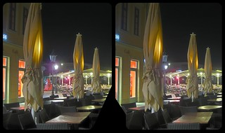 Street cafe at night 3-D / CrossView / Stereoscopy / HDR / Raw