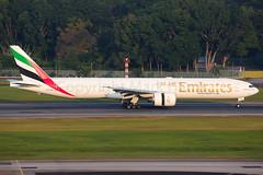 Emirates Boeing 777-31H/ER A6-EQB (Mark Harris photography) Tags: spotting changi plane boeing 77w canon singapore