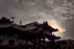 Leica X the color of magic hour (Xiaole wy & JV William) Tags: leica x 2870mm f3564 vario color travel photography sunset magic hour back light flare nature sunlight outdoor building tien hou temple traditional cultural festival chinese new year south east asia sky cloud