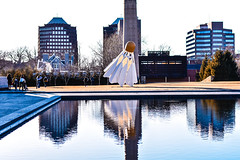 PSX_20180217_204650 (najjarobinson) Tags: kansascity art water reflection naturallighting city sculpture nikon 50mm nikkor photography photo