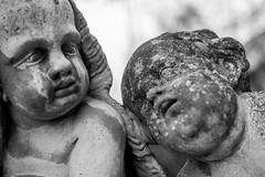 Drunken Girl (M-Z-Photo) Tags: würzburg bayern deutschland de hofgarten residenz statue skulptur schwarzweis alt steine figuren