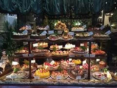 Australia_HighTeaCakes_Bockelman (Travel Study @ Winona State University) Tags: 2017 wsu outside australia studyabroad dessert highteacakes window webquality