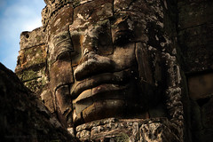 Madhyadri (Luzifr) Tags: bayon jayagiri madhyadri ក្រុងអង្គរ ប្រាសាទបាយ័ន prasatbayon khmer kambodscha cambodia angkor nagarajayasri angkorthom siemreap tempel temple gopuram gopura torturm jayavarman bodhisattva lokesvara avalokiteshvara mitleid mitgefühl compassion hindu buddhist hinduismus hinduism buddhismus buddhism buddha turm tower statues statuen figuren figures plastiken köpfe heads lächeln smile mystisch mystical spiritualität spirituality religion architektur architecture gebäude building haus house steine stones alt old antik ancient antique fassade facade theindiatree ruine ruin outdoor canoneos650d mahaparamasaugata