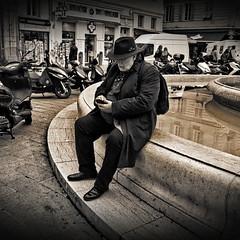 No age for being connected - Pas d'âge pour se connecter - (Chris, photographe de rue niçois (Nice - French R) Tags: streetphotography noiretblanc blackandwhite photographiederue photographiecontemporaine square carré modernart monochrome artgalleryandmuseums
