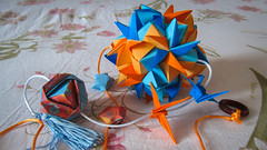 Kusudama Helica var. (Arturo-) Tags: kusudama origami dobradura papel paper azul laranja blue orange boracade minako ishibashi ekaterina lukasheva comission brocade fantasy
