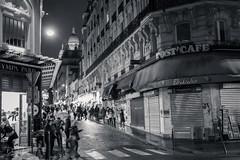 Montmartre... (Daniel Jost Photography) Tags: 2017 canonef2470mmf40lisusm canoneos6d dj lightroom montmartre paris pigalle bw black blackandwhite blanc nb noir noiretblanc nuit photo photographe picture white îledefrance france fr