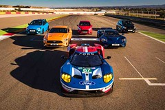 Illusztris show a versenypályán nyolc Ford Performance autóval és nyolc Ford GT versenypilótával (autoaddikthu) Tags: autó autósport ford fordperformance jármű kocsi rajtvonal verseny versenypálya
