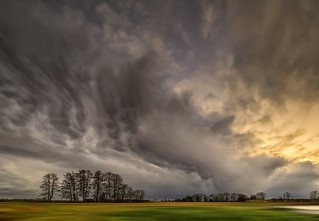 Dying thunderstorm