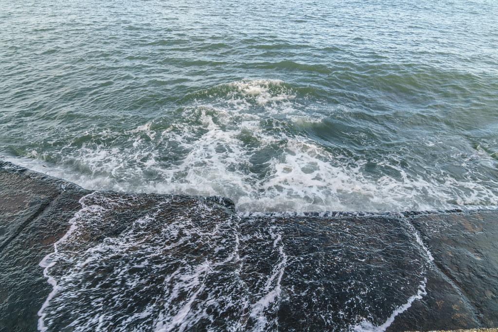 NEWTONSMITH WATERFRONT PROMENADE AREA NEAR DUN LAOGHAIRE [GLASTHULE - MARINE PARADE]-136471