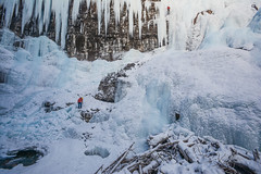 (Marie-Laure Even) Tags: 2017 banffnationalpark canada canyon chutedeau chutes december décembre falls fjall frozen hike hiver johnstoncanyon landscape marielaureeven montagne mountain nationalpark nature neige parcnational paysage people roadtrip snow travel voyage waterfall wild wilderness winter гора природа водопад improvementdistrictno9 alberta nikond7100
