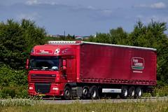 VS92736 (17.07.06, Motorvej 501, Viby J)DSC_3877_Balancer (Lav Ulv) Tags: semi articulated artic hauler trækker zugmaschine sattelschlepper sattelzug auflieger tractorunit tractor trailer kronetrailer frodelaursen stigjensen daf dafxf xf105 105460 e5 euro5 6x2 curtainside gardintrailer planentrailer 2007 truck truckphoto truckspotter traffic trafik verkehr cabover street road strasse vej commericialvehicles erhvervskøretøjer danmark denmark dänemark danishhauliers danskefirmaer danskevognmænd vehicle køretøj aarhus lkw lastbil lastvogn camion vehicule coe danemark danimarca lorry autocarra motorway autobahn motorvej vibyj highway hiway autostrada commercialvehicles