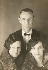His gals (912greens) Tags: 1930s women mothers wives husbands daughters family matching same furs hairstyles bobs folksidontknow