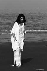 Wandeling aan zee (lumafoto - luc bauwens) Tags: lady shoot sea zee dame fotoshoot