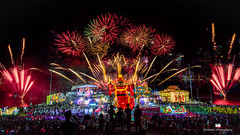 The grand finale fireworks at the Singapore River Hongbao/Chingay Parade 2018. (ronang) Tags: chinesenewyear cny riverhongbao chinese new bay river hong fireworks chingay parade 2018 marinabay marina singapore nightphotography night year floating platform god wealth lights bright