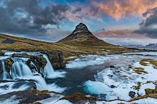 Kirkjufellfoss & Mountain