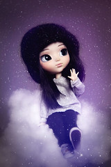 Snærún (Naekolyset) Tags: pullip pullipdoll doll dolls dolly pullipddalgi ddalgi toy toys wig blackhair greeneyes portrait simple pullover winter