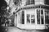 Boulangerie du Moulin de la Galette .. (Dare2drm) Tags: patisserie boulangerie confiserie bakery paris france montmartre moulin delagalette moulindelagalette noiretblanc blancetnoir djfotos