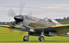 Warming up for Duxford... (Ian A Photography) Tags: aeroplanes aircraft airleasing aviation duxford duxfordlegends flyinglegends historicaircraft jej mv268 spitfire supermarine vickerssupermarine