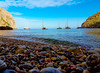 En Palma (fotografacubana) Tags: playa turismo azul piedras colores barcos vacaciones